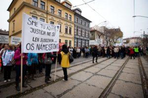 zamestnanci-rezortu-justicie-protestova