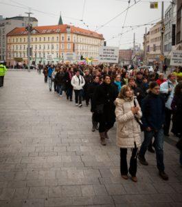 zamestnanci-rezortu-justicie-protestova6
